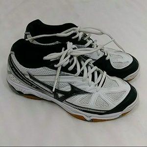 Mizuno Wave Hurricane 2. Tennis shoes